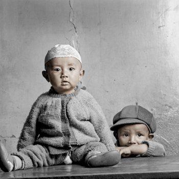 Маленькие мальчики в Тибете