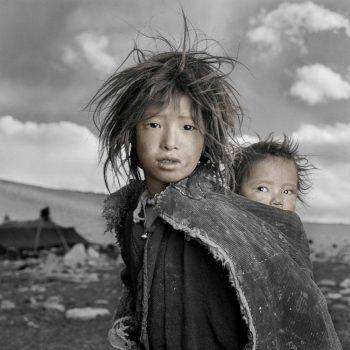 Детишки Тибета