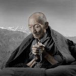 Старик с чётками, Тибет