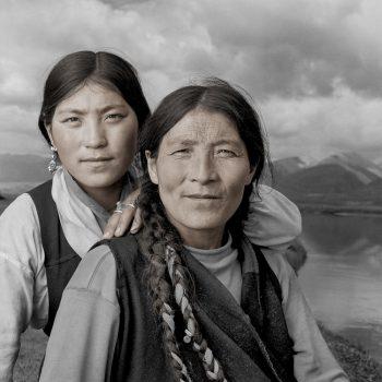 Мать и дочь, Тибет