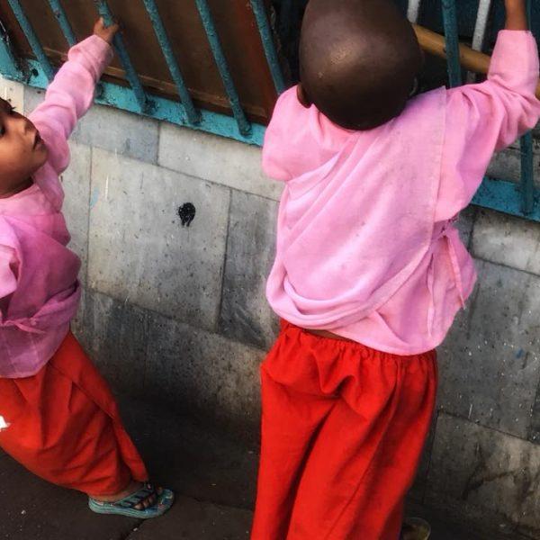 Жизнь жителей Янгона