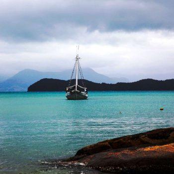 Бразилия, Парати, корабль на воде