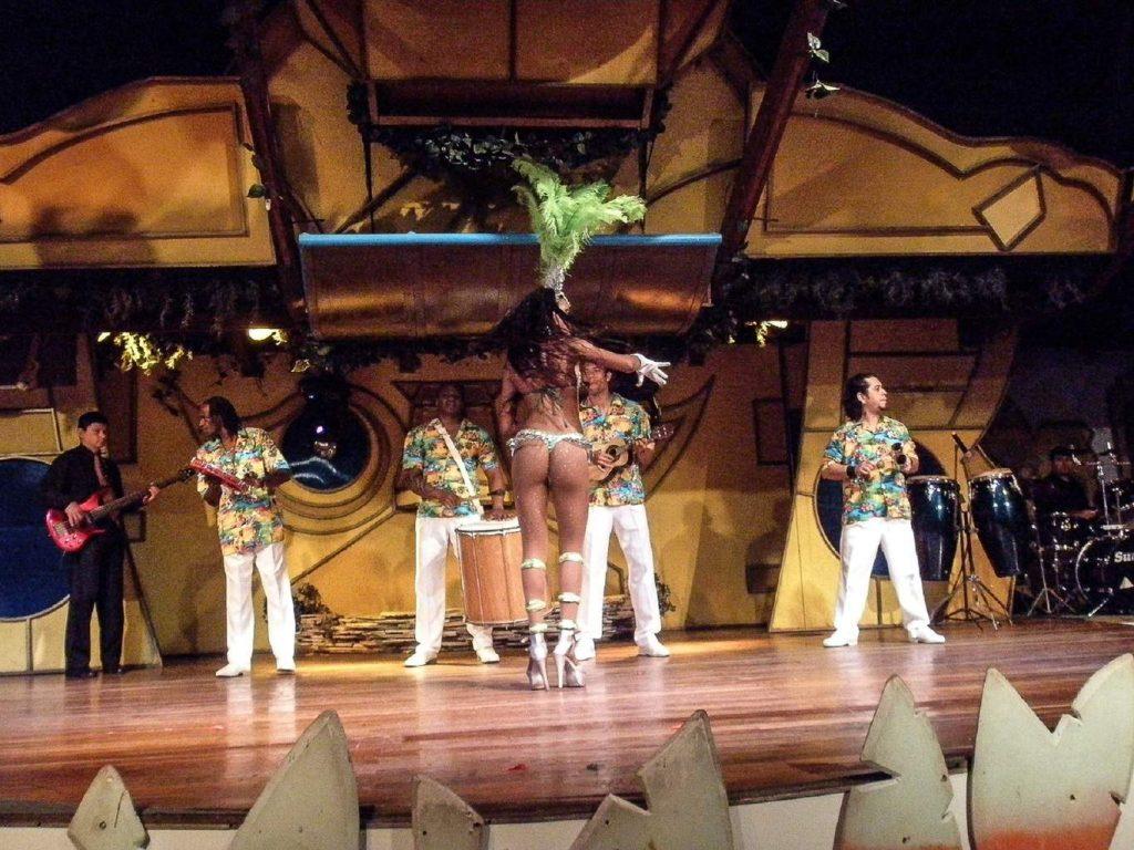 Бразилия-Ресторан с танцами