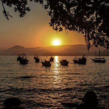 Бразилия, Парати, корабли на закате