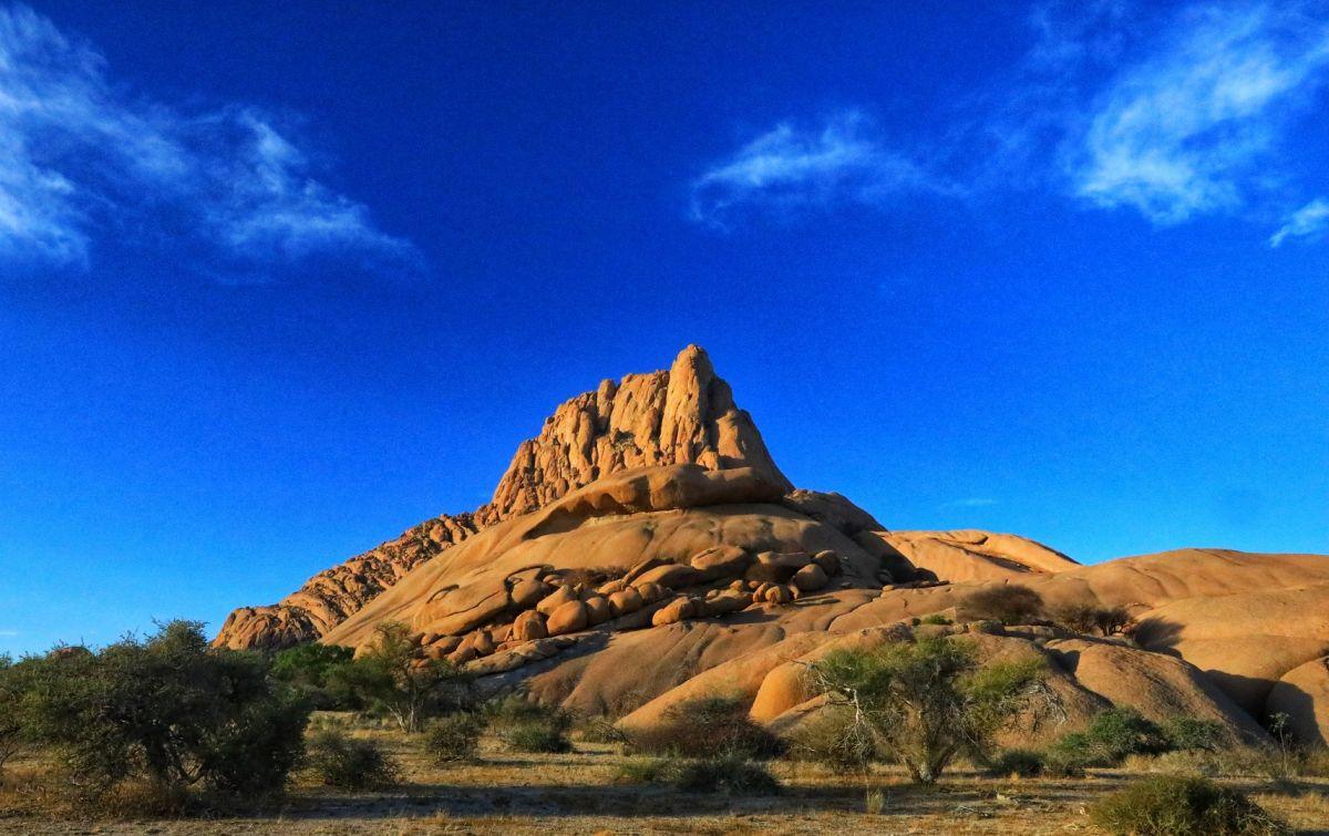 Вид на Гору-Шпицкоппе, Намибия