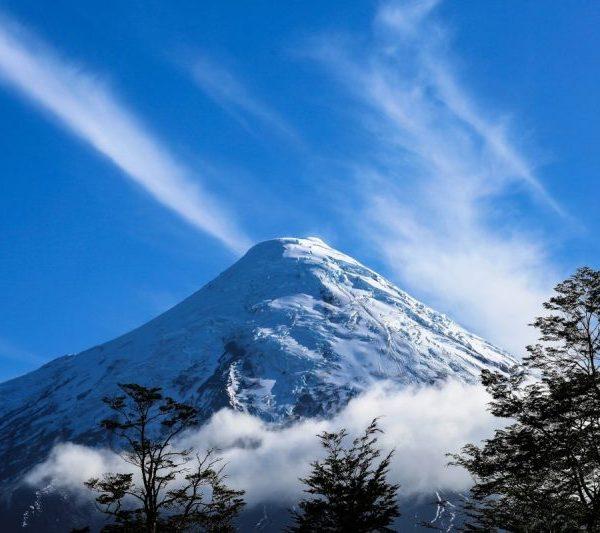 Снежная гора в Чили