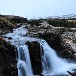 красивый водопад в исландии