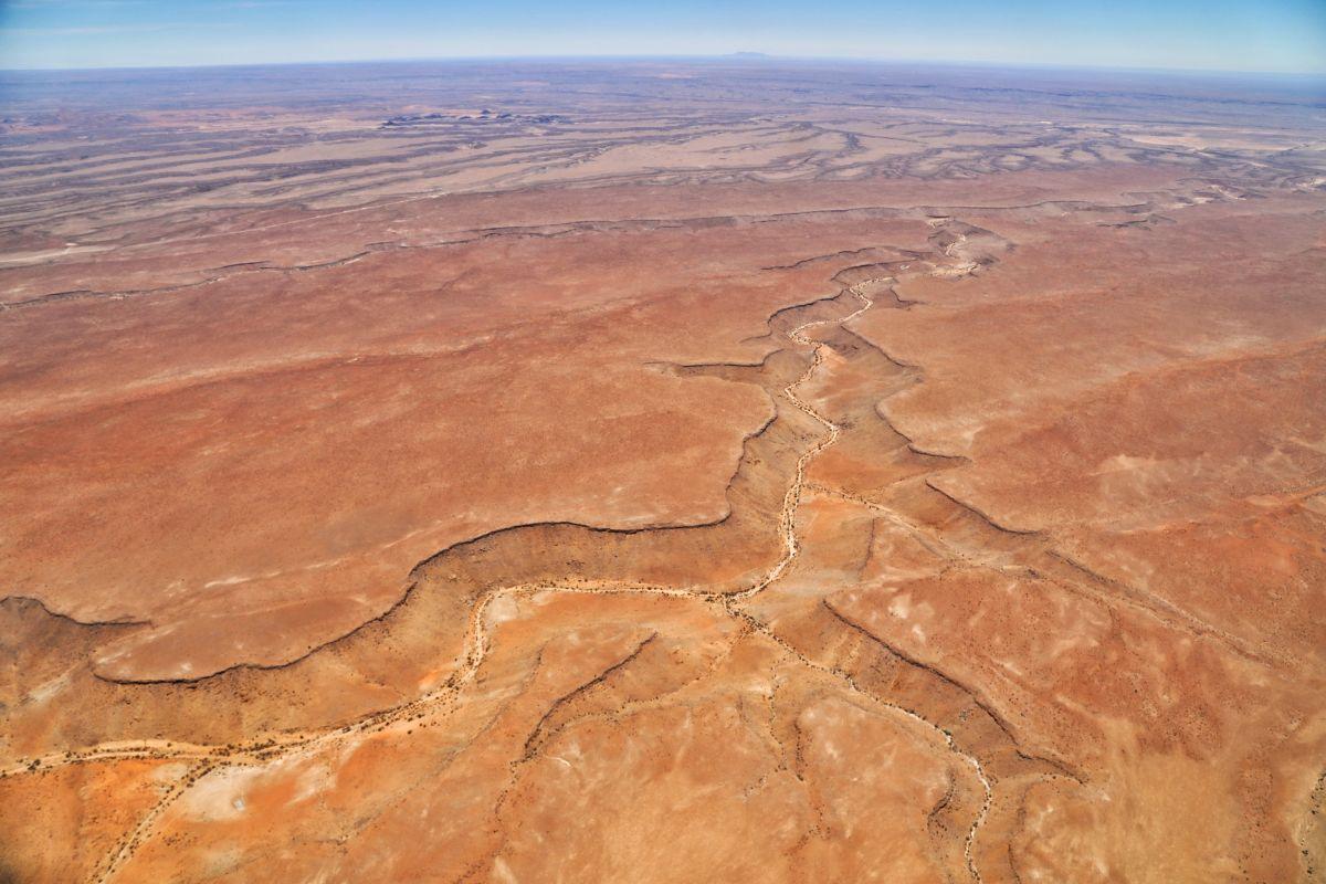 Вид с высока на пустыню Калахари, Намибия