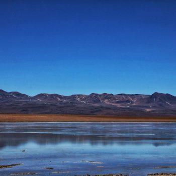 Кристальная вода в Лагуне Верде, Боливия