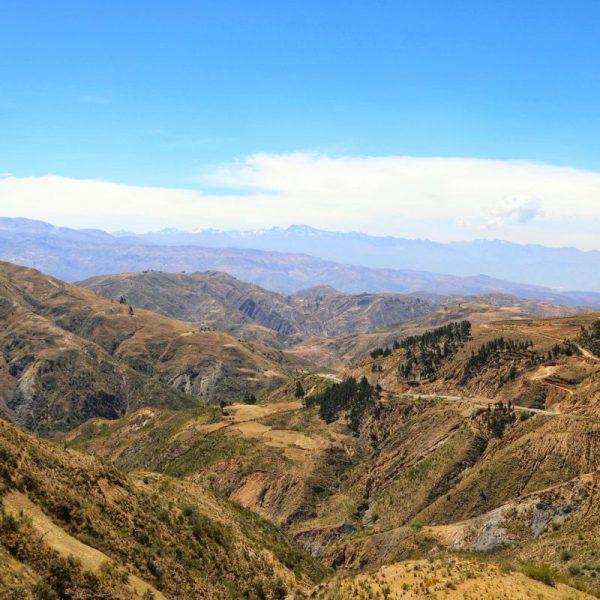 Дорога в Кочабамбу через горы, Боливия
