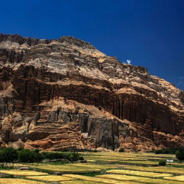 Гималаи. Мустанг. Каменные Горы.