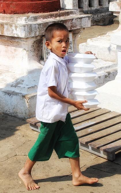 Малыш в Бирме