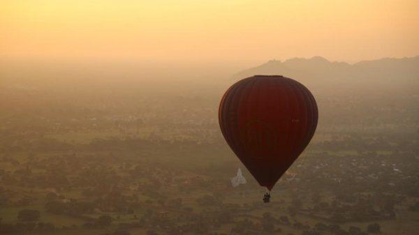 Вид на Баган с воздушного шара
