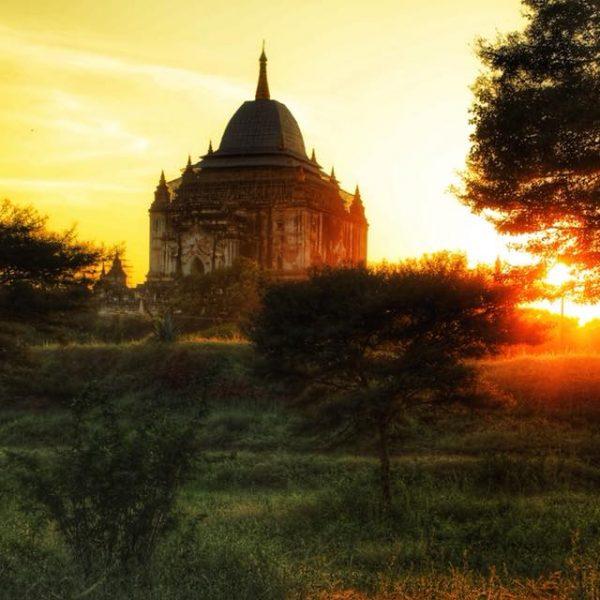 Закат в Мьянме