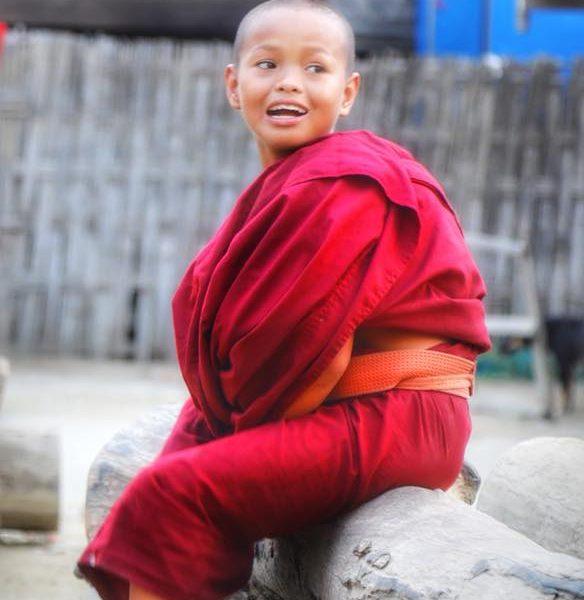 маленький монах в Мьянме