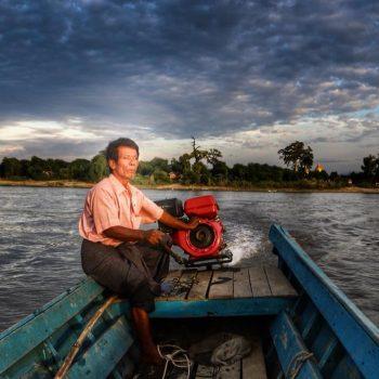 лодочник в Бирме