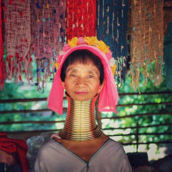 женщина с длинной шеей, тайланд