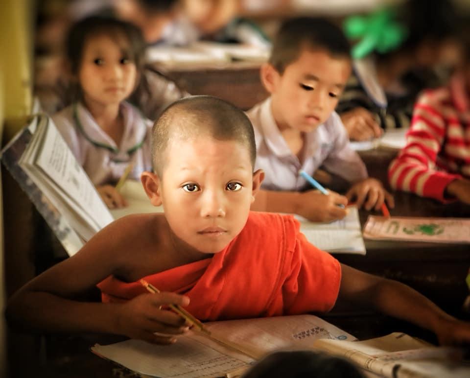 Юный монах в Лаосе