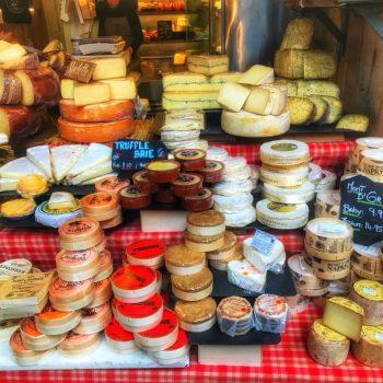 Сыры на рынке, Англия