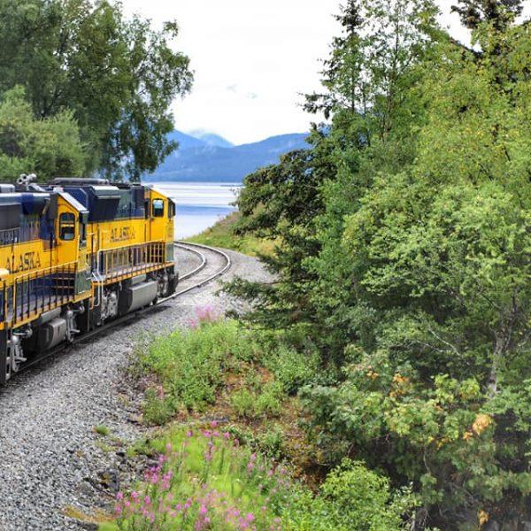 поезд на Аляску