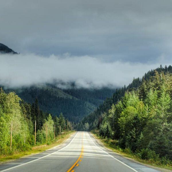 Дорога через национальный парк Банф
