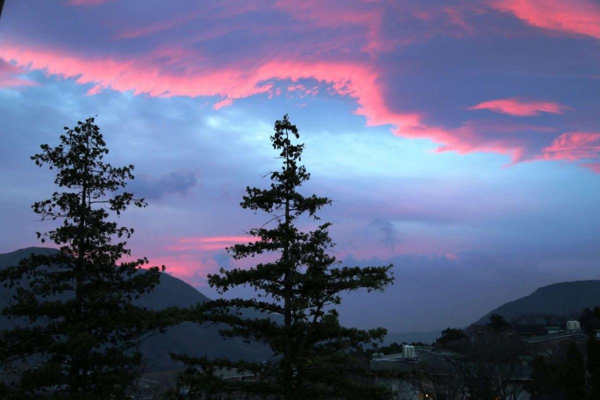 Путешествие по Японии весной.  Восход в Хаконе
