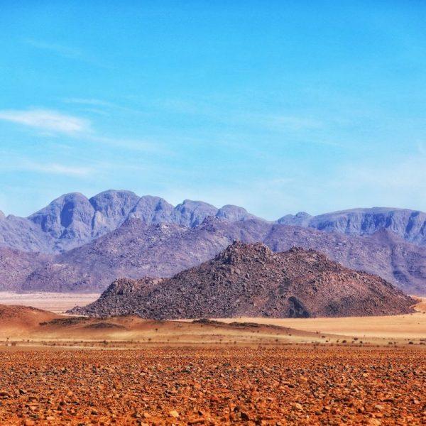 Пустыня Калахари, горы из камня