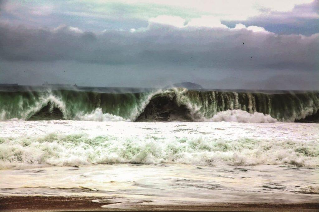 Волны Бразилия
