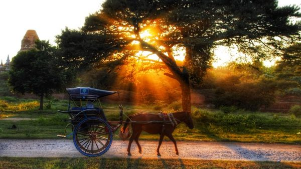 Закат в Бирме